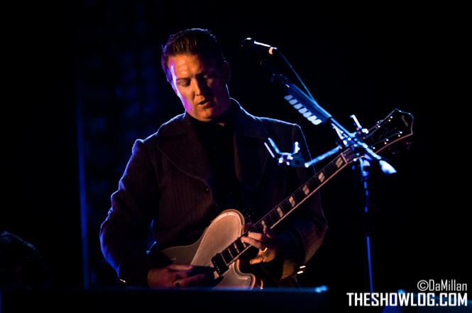 TheShowLog_Queens_of_the_Stone_Age-109