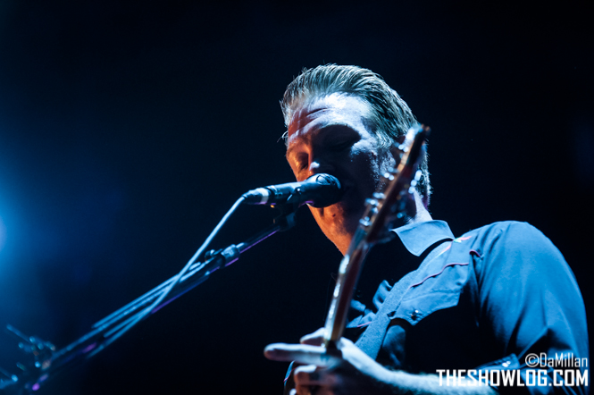 TheShowLog_Queens_of_the_Stone_Age-112