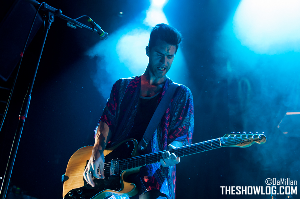 TheShowLog_The_Sounds_140425-124